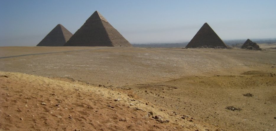 Gizeh : the pyramids