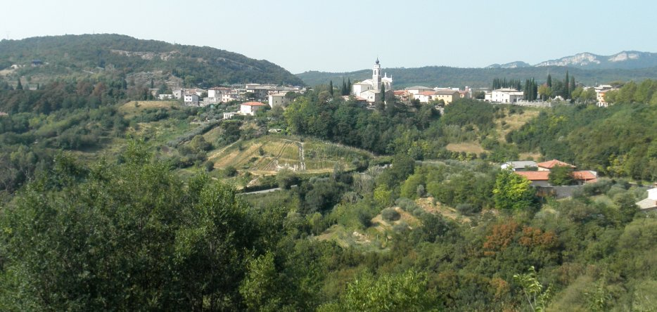 Rivoli Veronese and its surroundings, general view